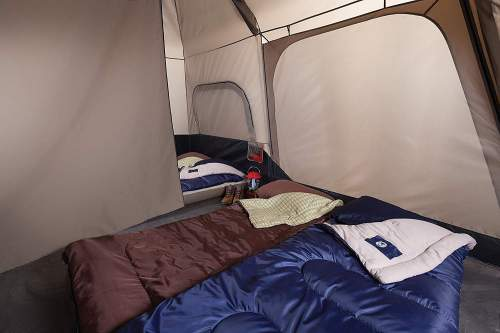 room divider Coleman 8 Person Instant Tent