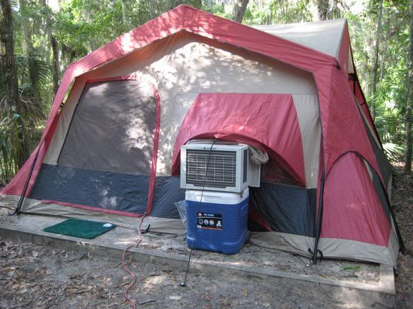 Tent with an airconditioner attached